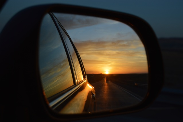 rear-view-mirror-835085